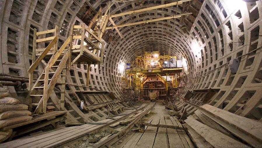 двери Что находили при строительстве метро в москве Элвина хватило